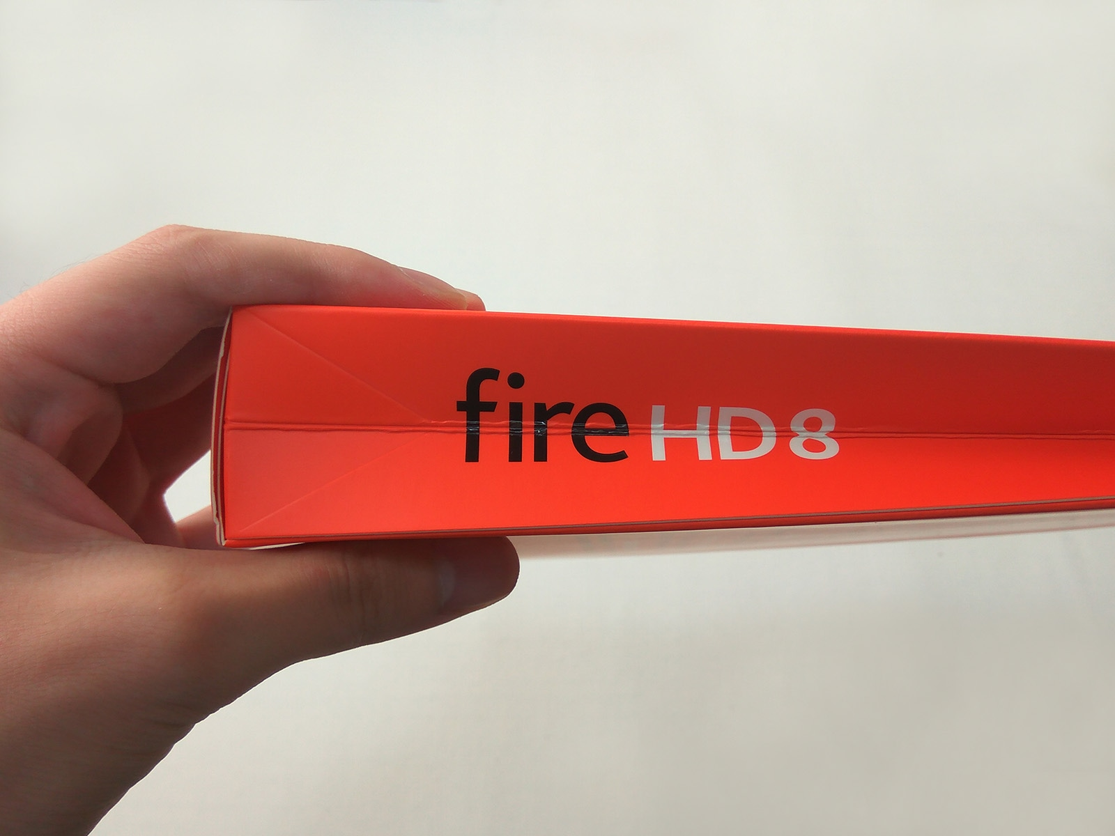 Fire HD 8 パッケージ側面ロゴ