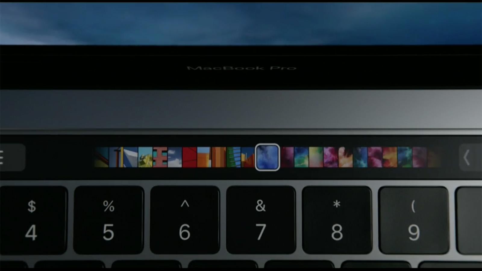 2016年 MacBook Pro タッチバー