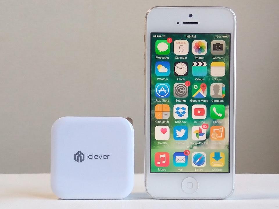 iClever USB充電器 iPhone 5とのサイズ比較
