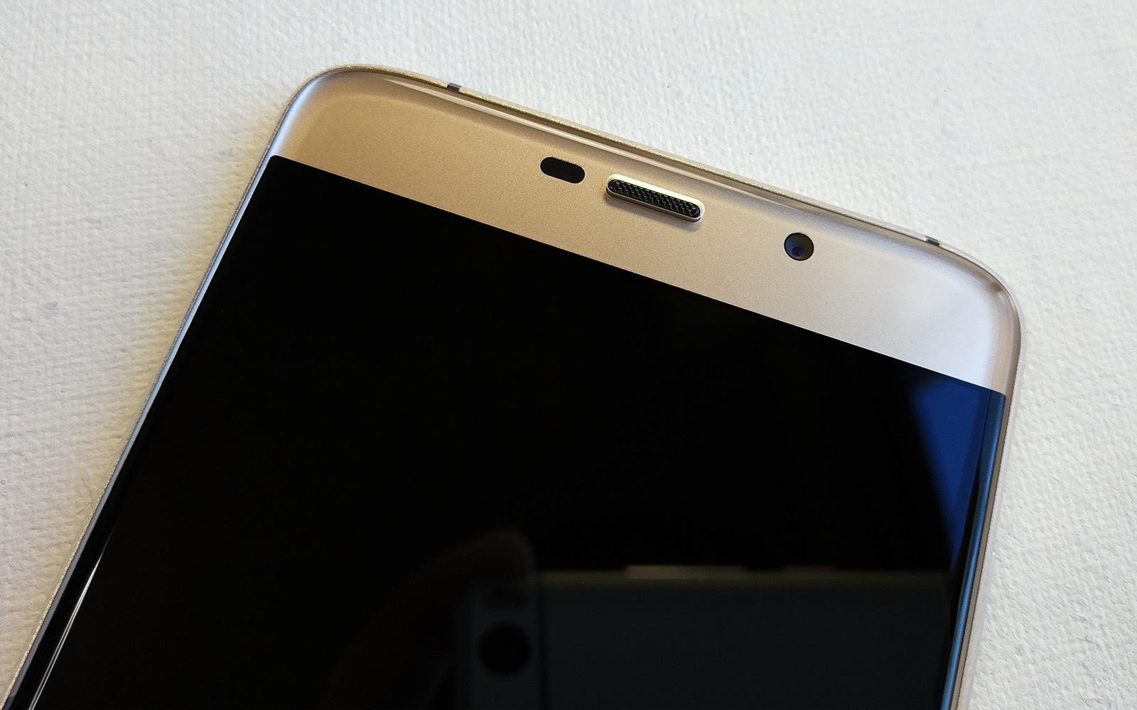 Elephone S7 前面 カメラと受話口