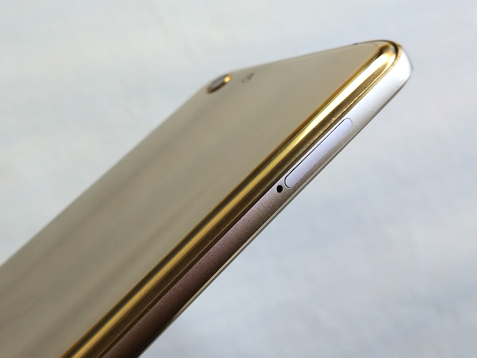 Elephone S7 左側面