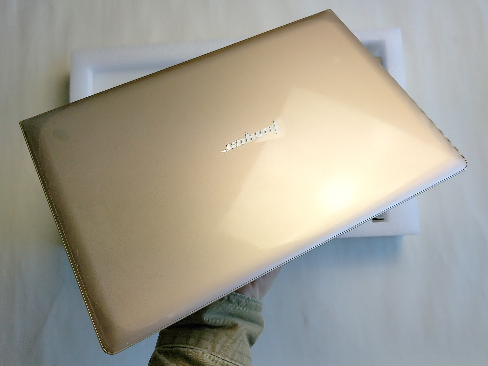jumper-ezbook-air-first-look-unboxing-03