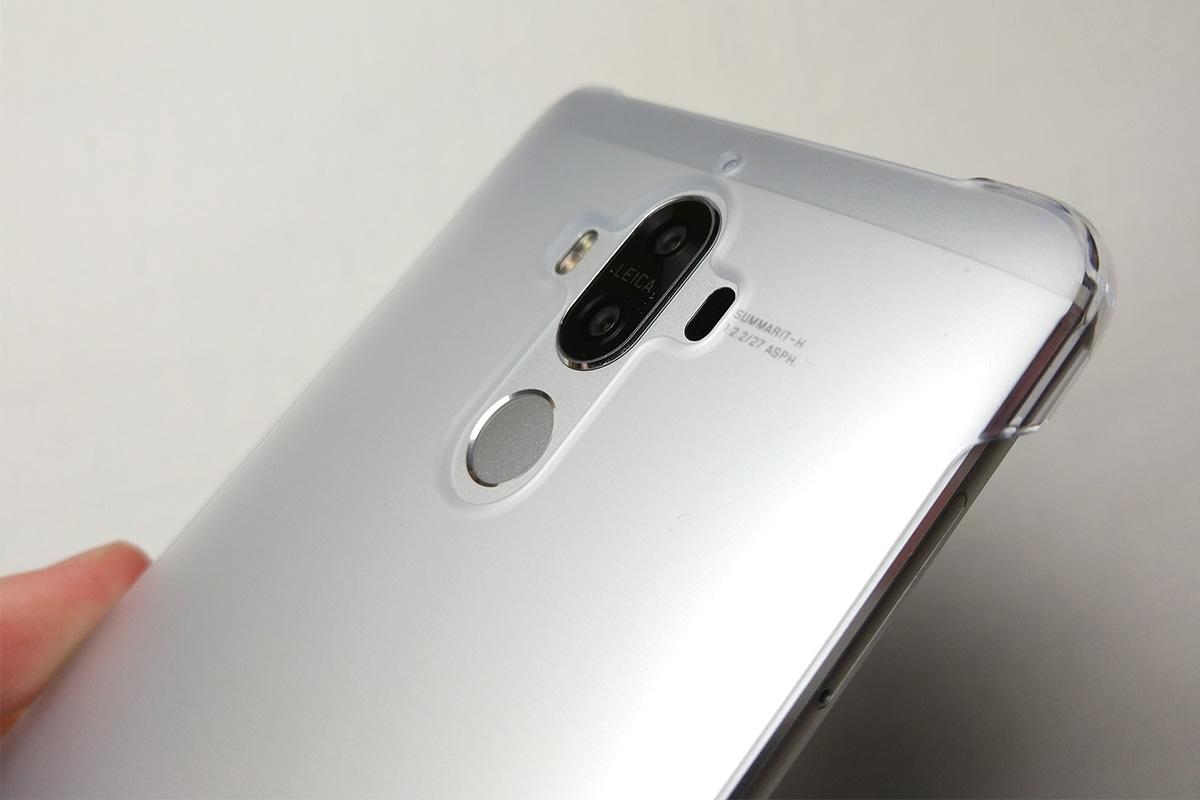 Huawei Mate 9 保護ケースを装着した様子