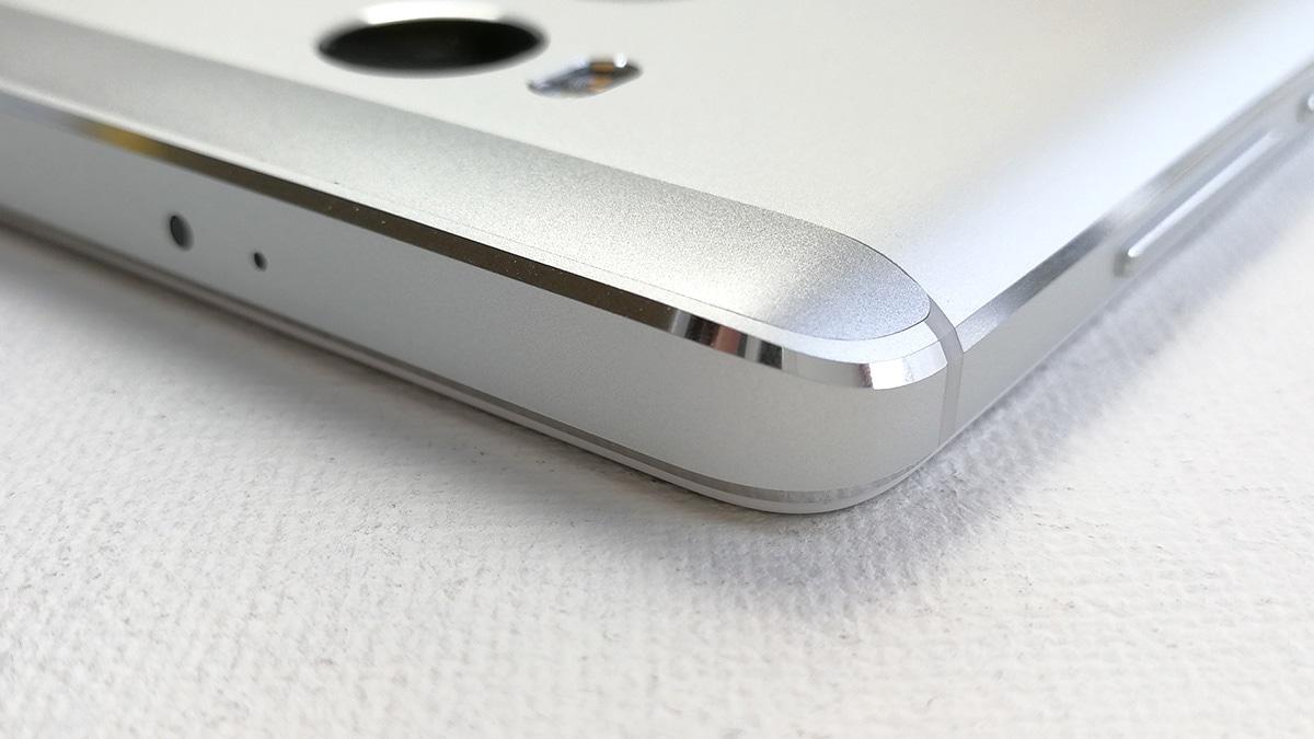 Xiaomi Redmi 4 エッジ