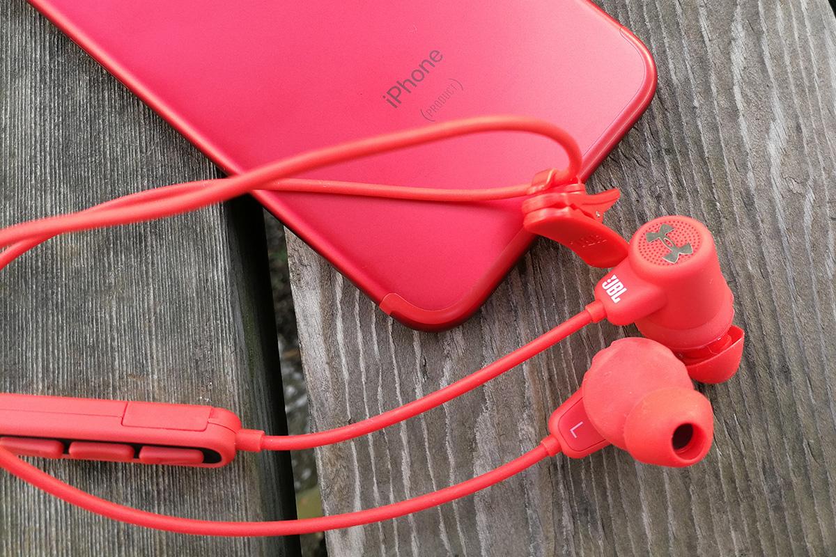 JBL UA Sport Wireless & iPhone 7 (PRODUCT)RED