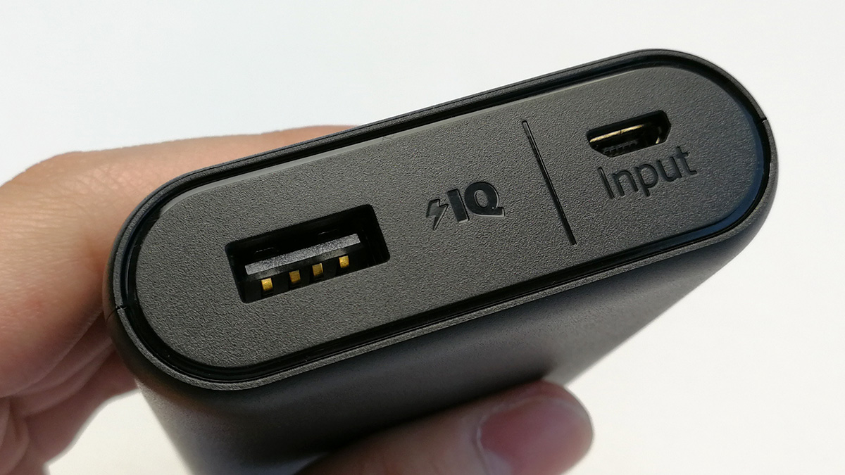 Anker PowerCore 10000 ポート