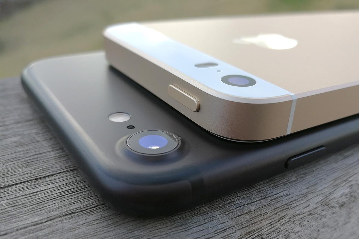 iPhone 7 vs SE カメラ周り