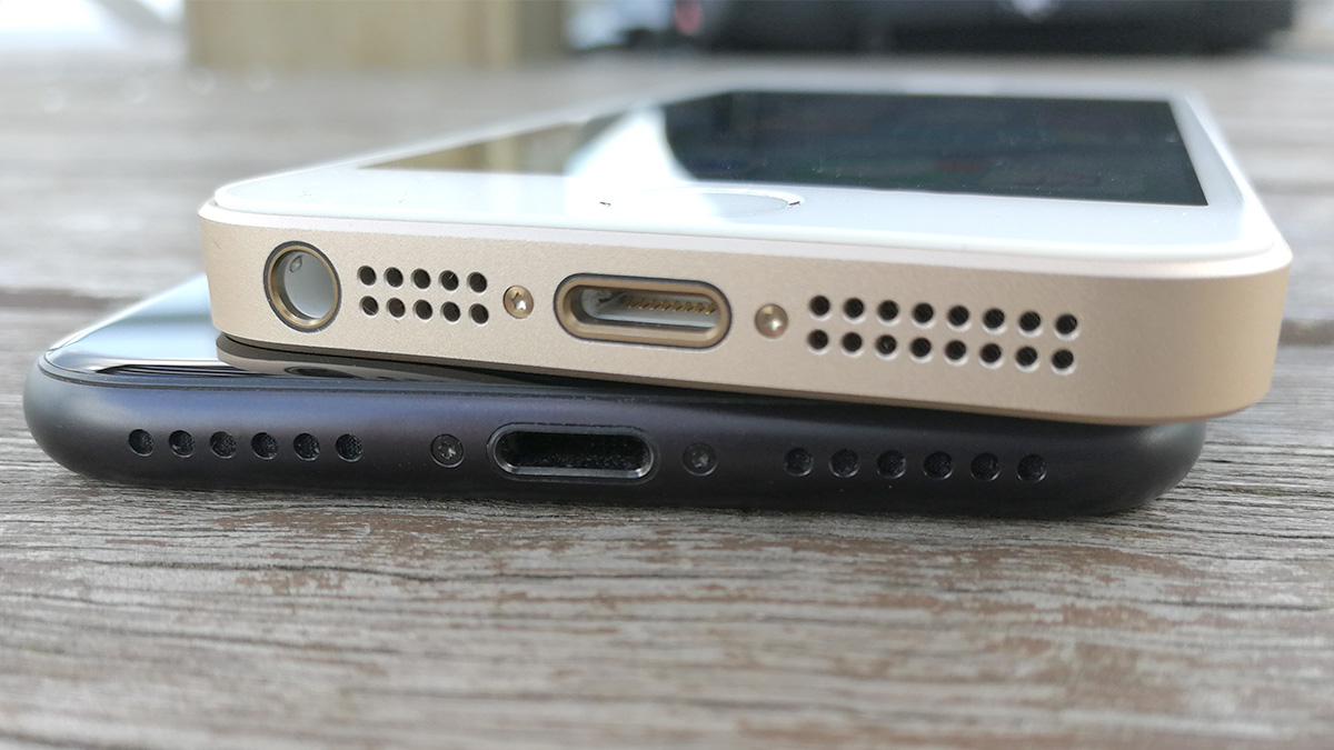 iPhone 7 vs SE イヤホンジャック
