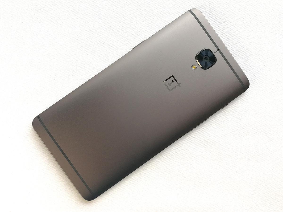 OnePlus 3T 背面