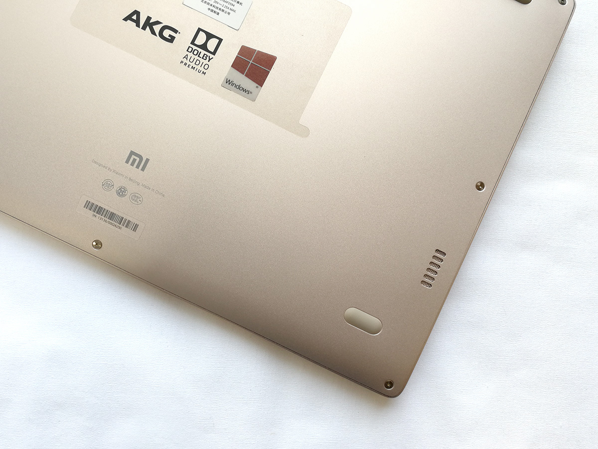 Xiaomi Mi Notebook Air 12 裏面