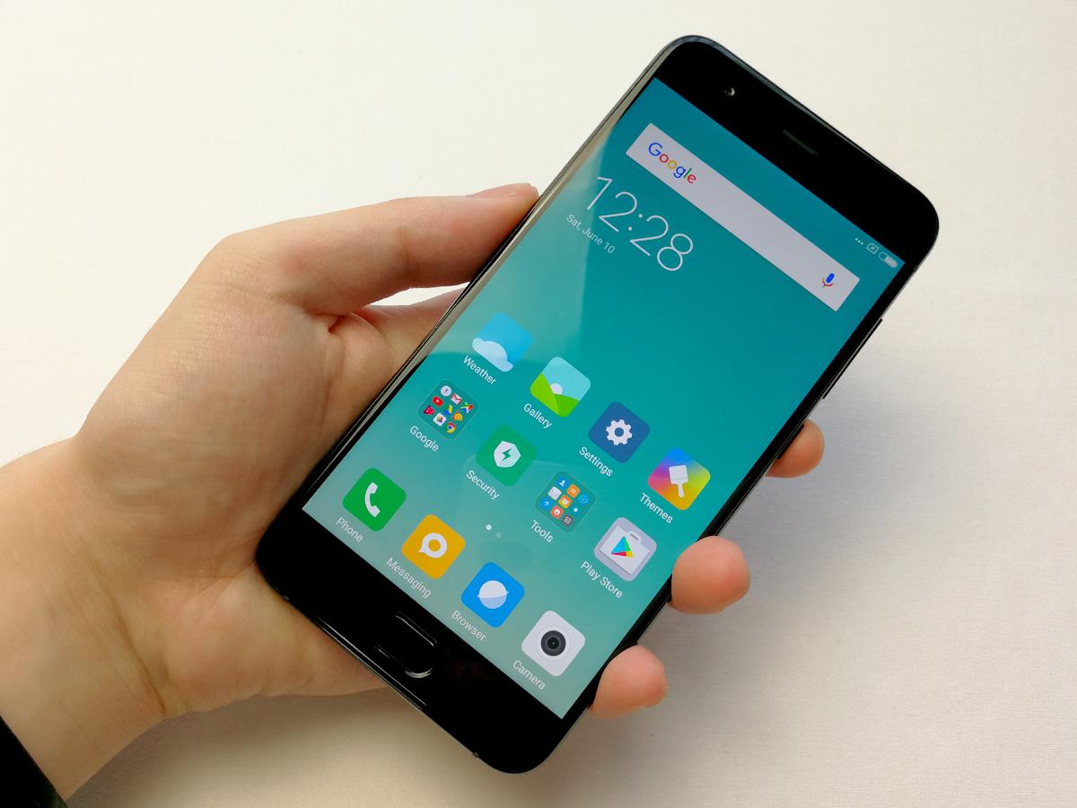 Xiaomi Mi6 本体前面
