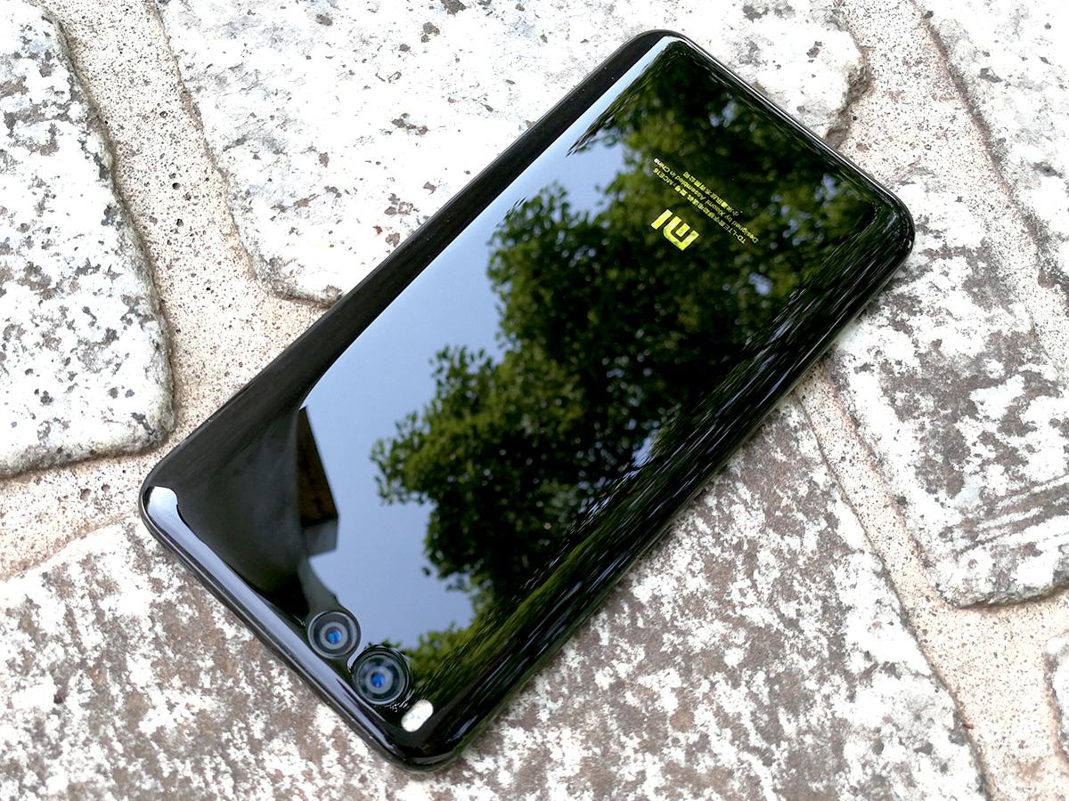 Xiaomi Mi6 背面