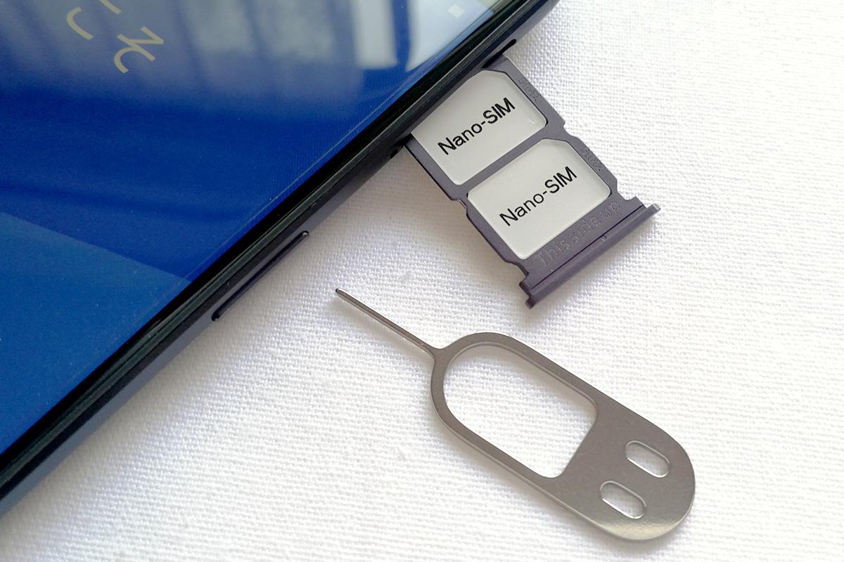 OnePlus 5 デザイン SIMカードスロット