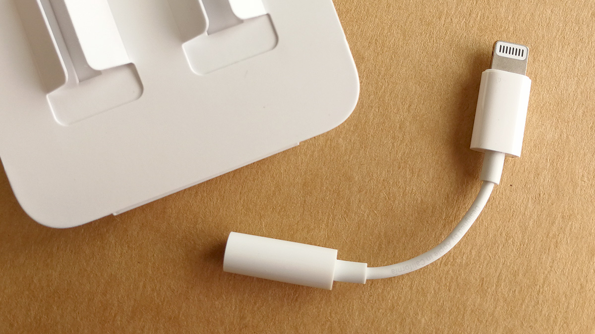 iPhone 8 Lighning to 3.5mmオーディオジャック アダプタ