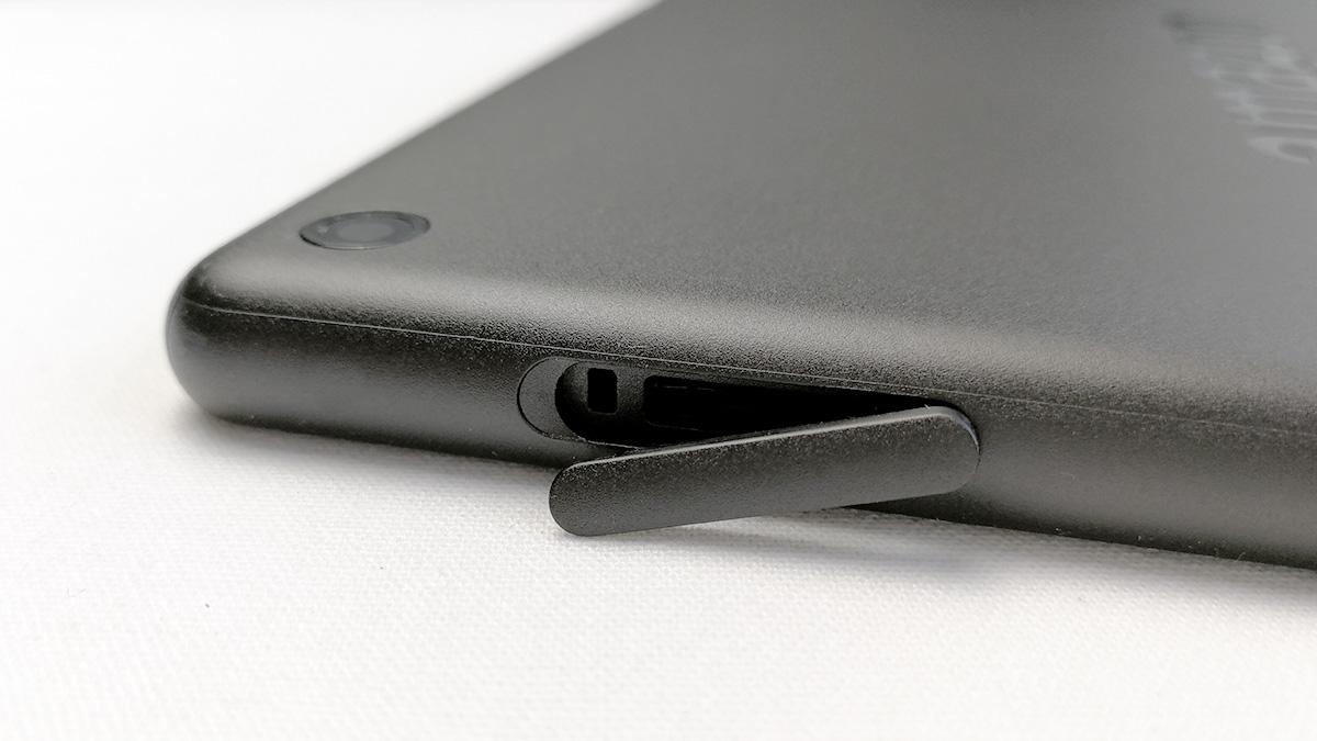Fire HD 10 2017年モデル MicroSDカードスロット
