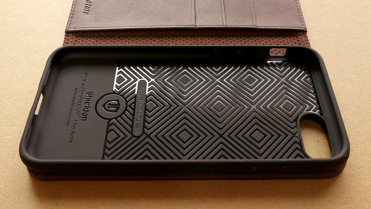 SHIELDON 本革製iPhone 8用手帳ケース 装着部