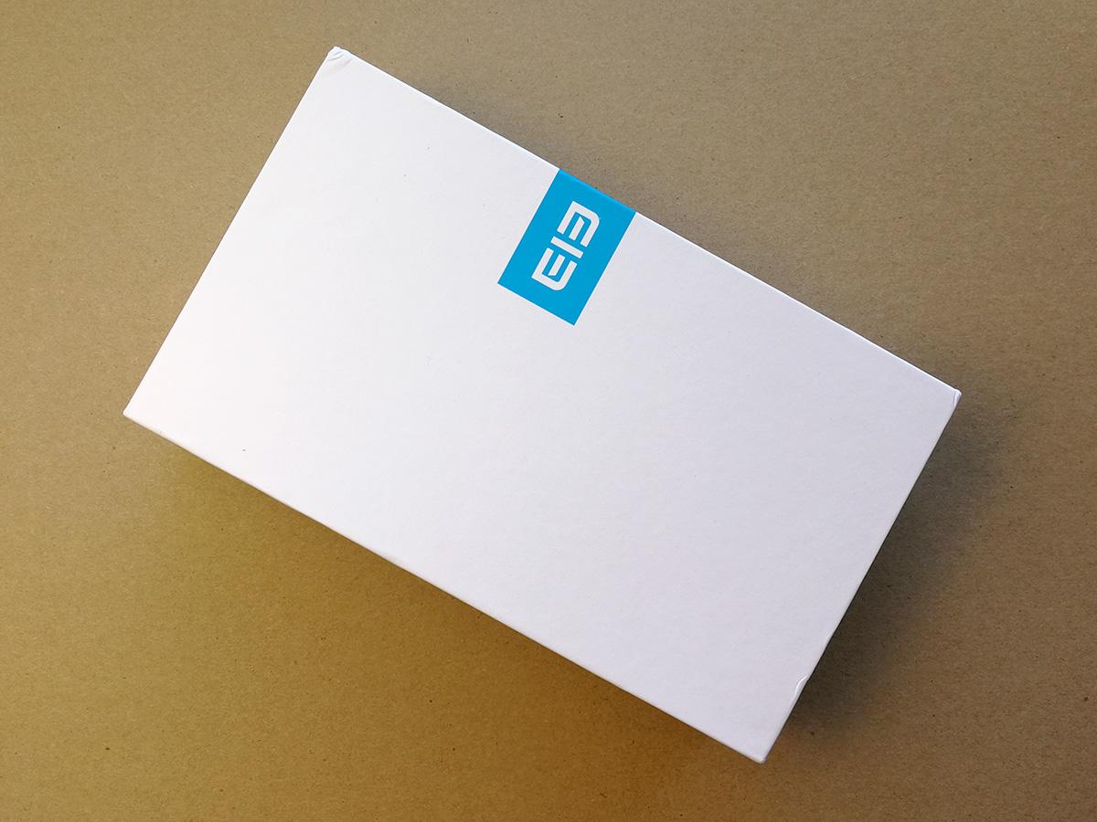 Elephone S8 パッケージ