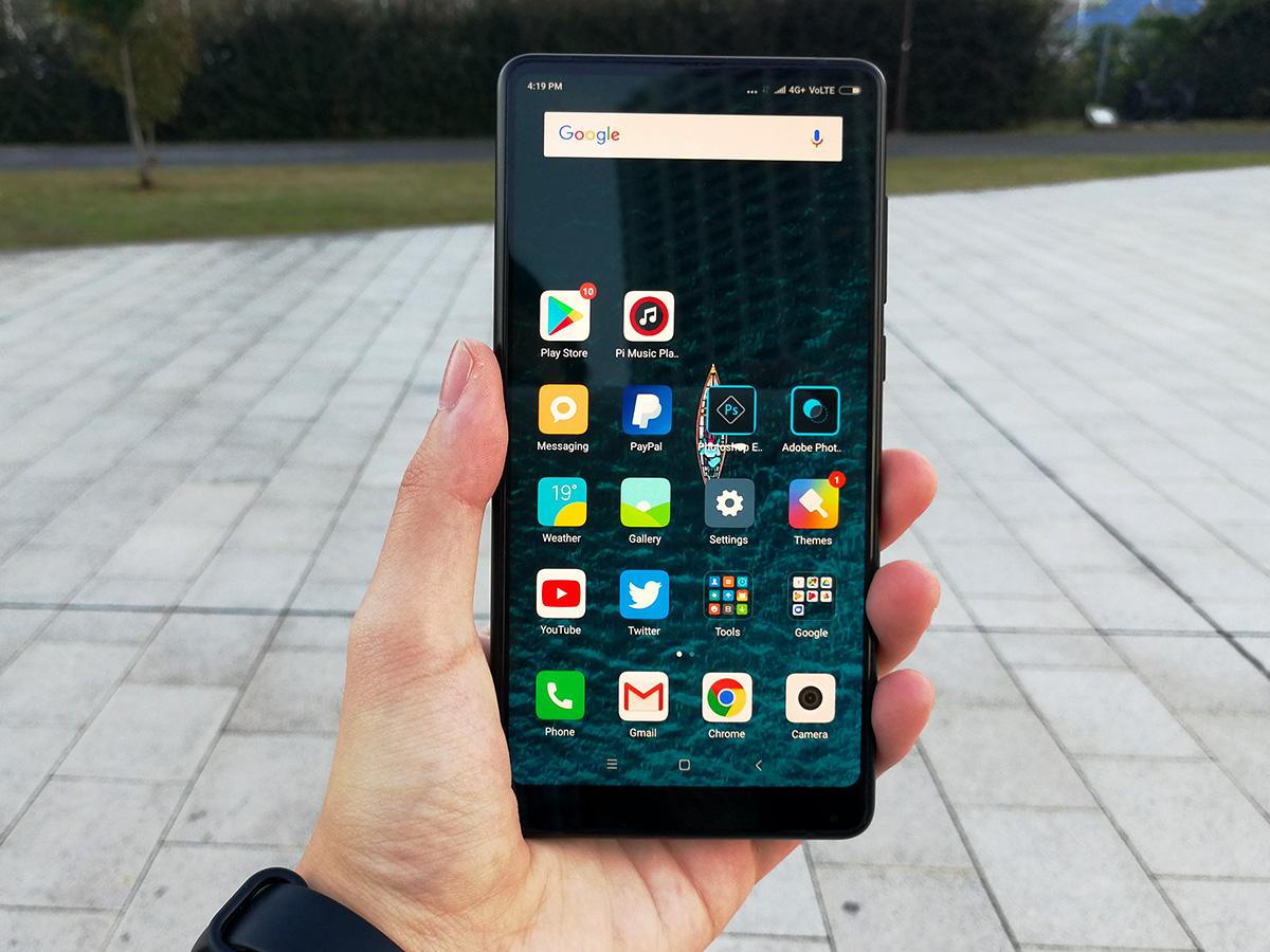 Xiaomi Mi MIX 2 前面