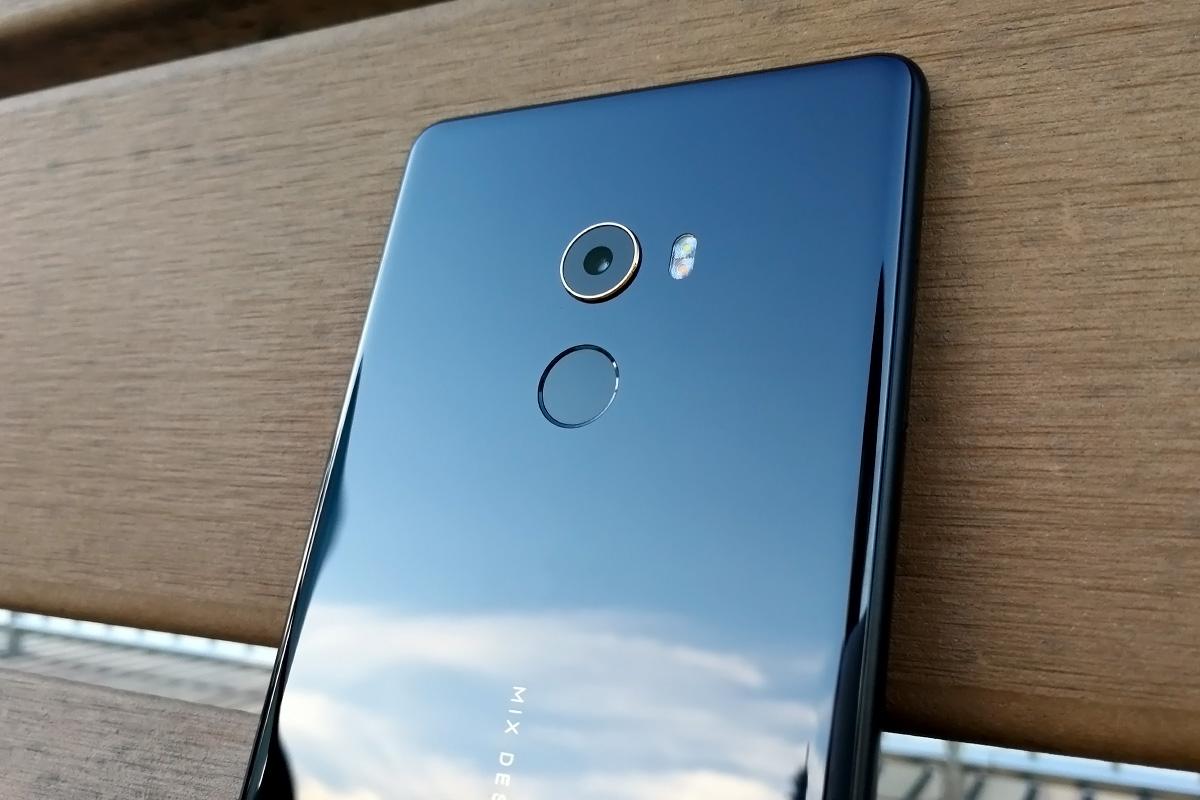 Xiaomi Mi MIX 2 背面上部