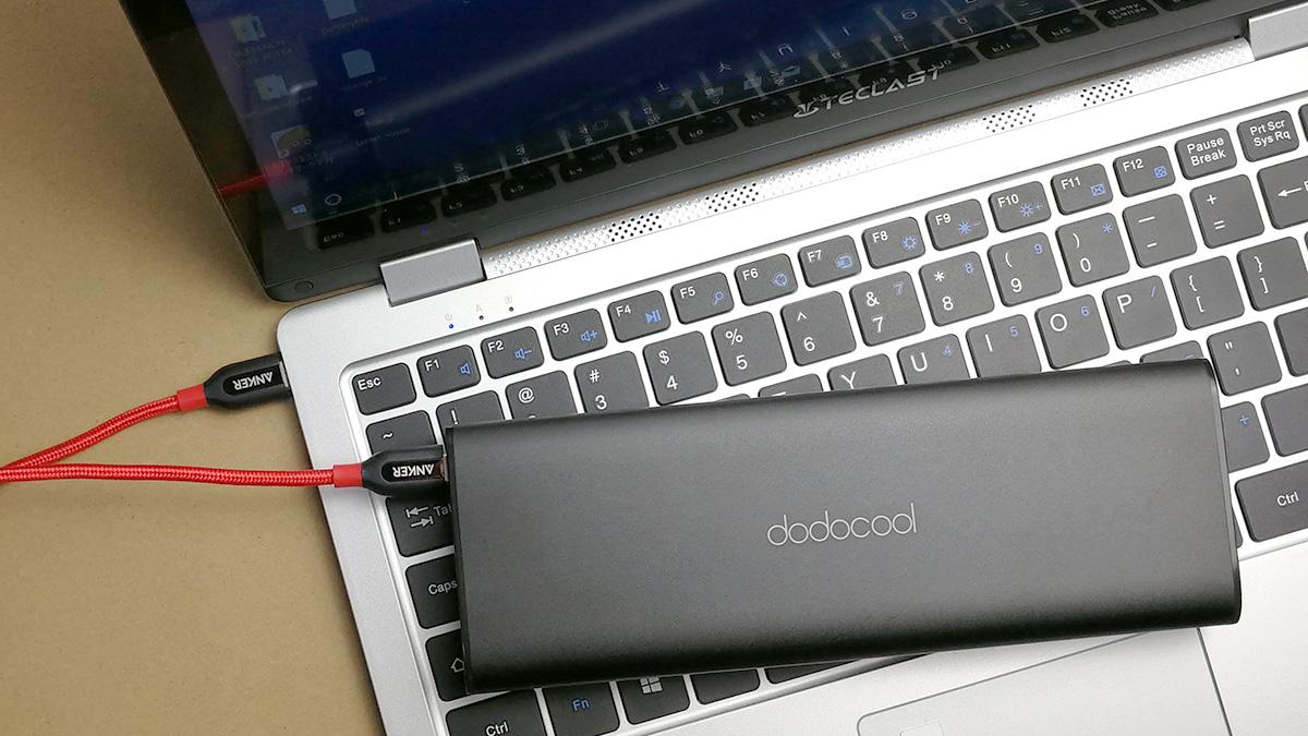 Teclast F6 Pro モバイルバッテリーから充電