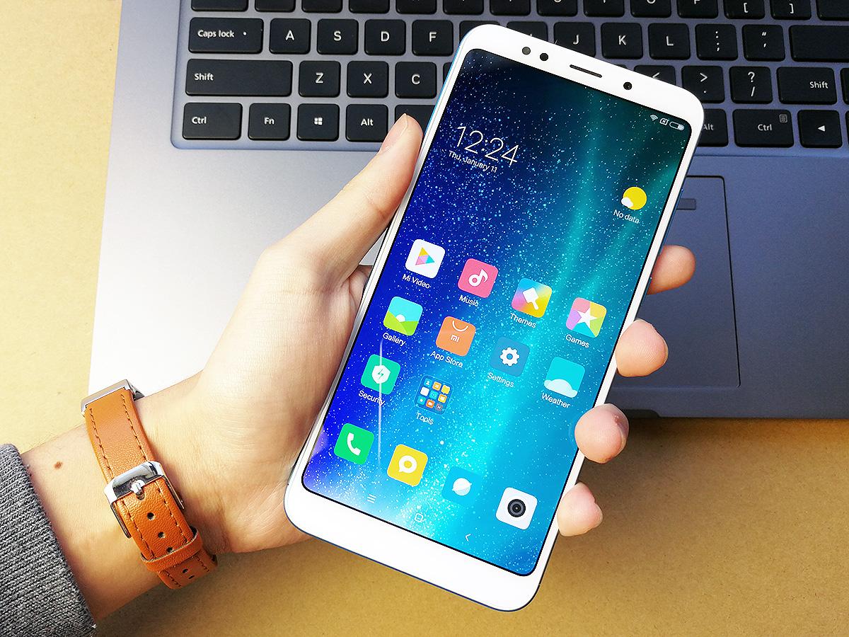 Xiaomi Redmi 5 Plus ディスプレイ面