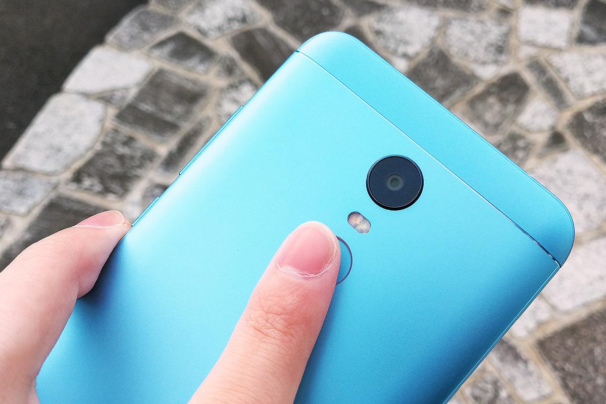 Xiaomi Redmi 5 Plus 指紋認証センサー