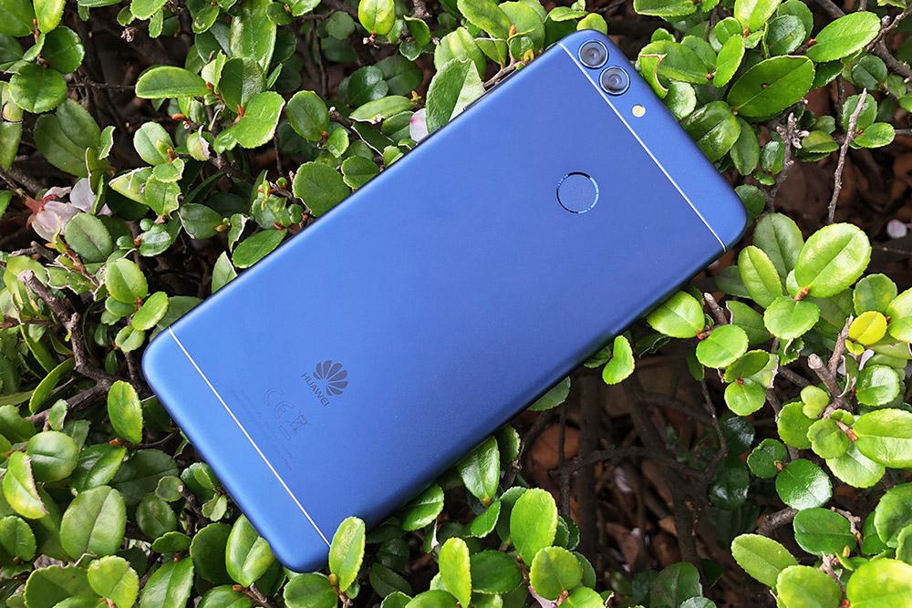 Huawei nova lite 2 背面
