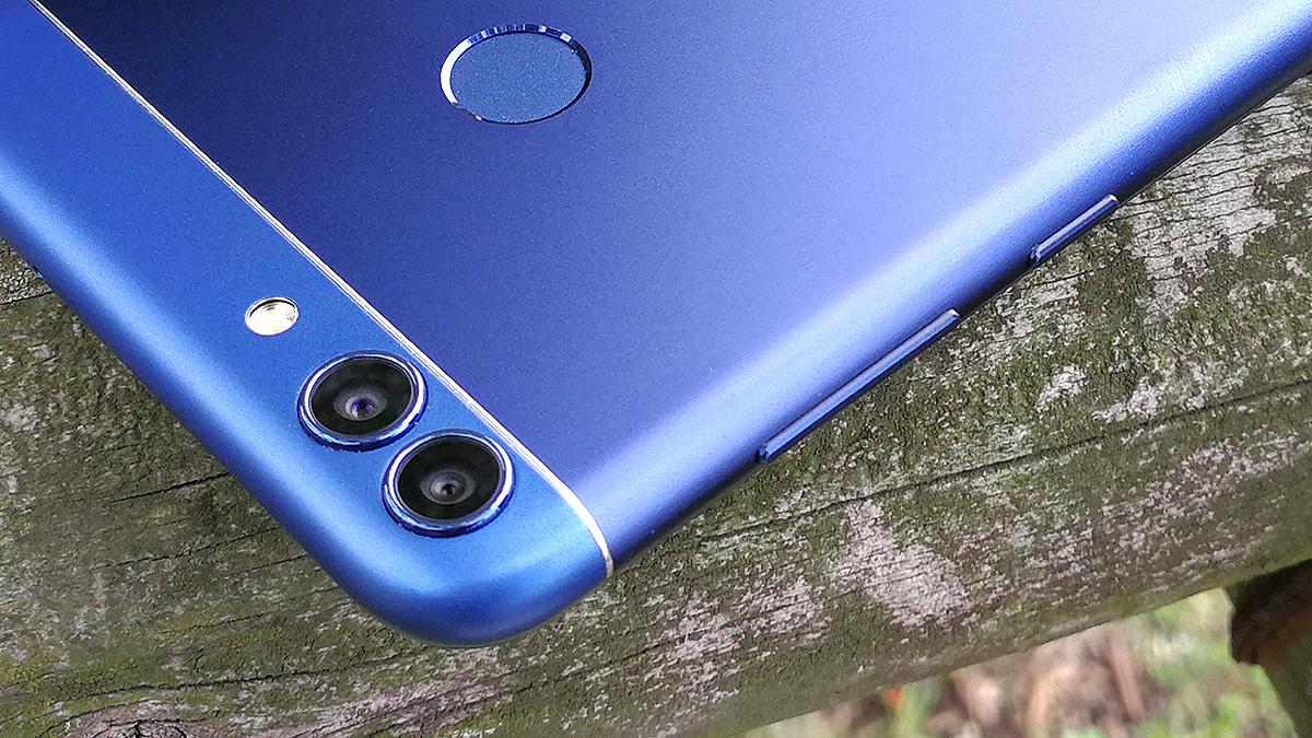 Huawei nova lite 2 背面カメラ周り