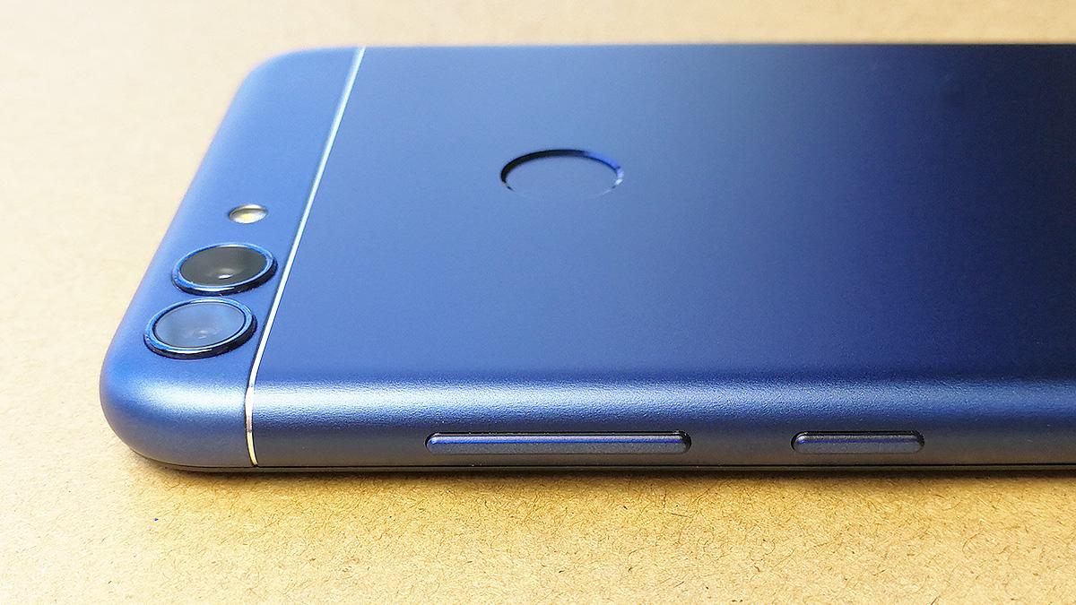 Huawei nova lite 2 電源ボタンと音量調節ボタン