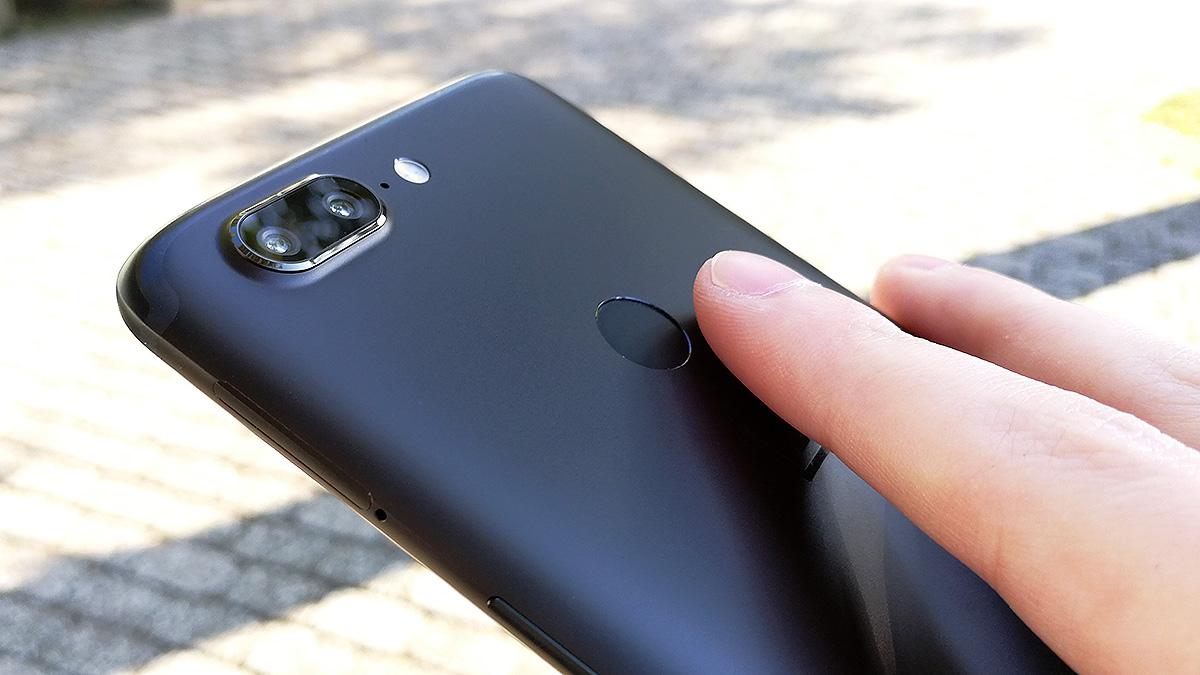 OnePlus 5T 指紋認証センサー