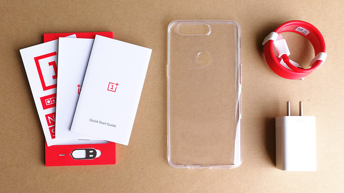 OnePlus 5T サンドストーン・ホワイト 同梱品