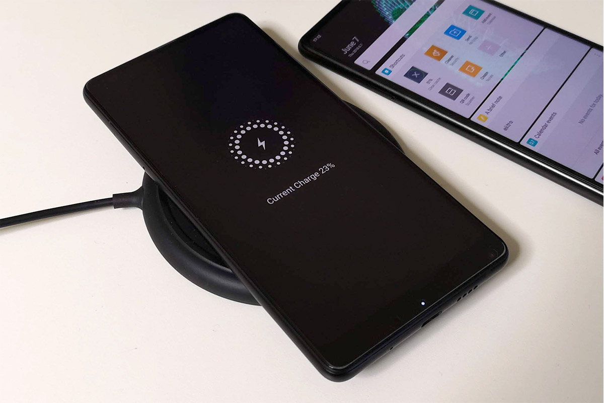 Xiaomi Mi MIX 2S Qiワイヤレス充電