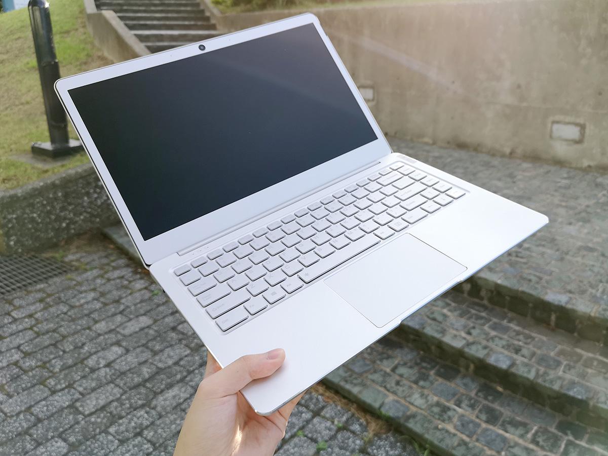 Jumper EzBook X4 筐体