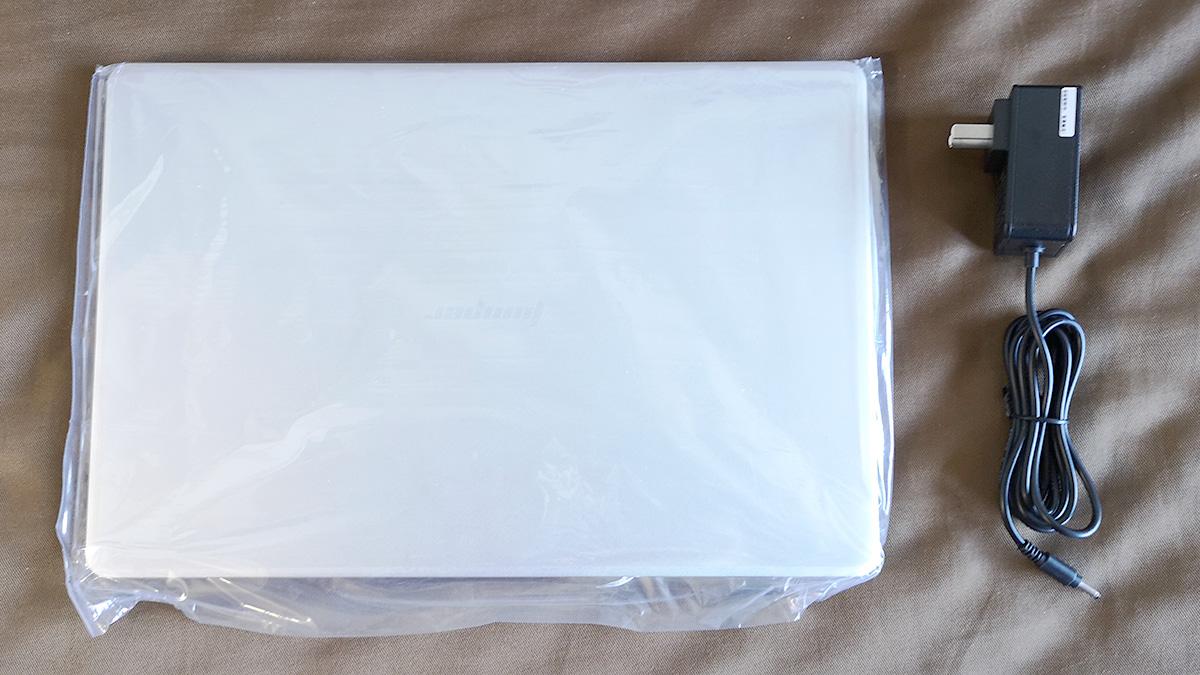 Jumper EzBook X4 同梱物