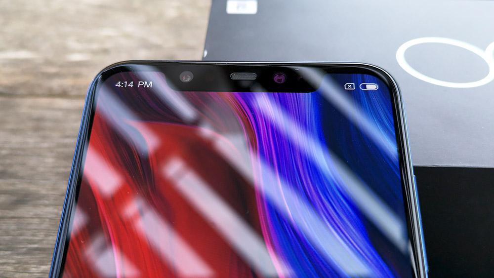 Xiaomi Mi8 ディスプレイ上部のノッチ