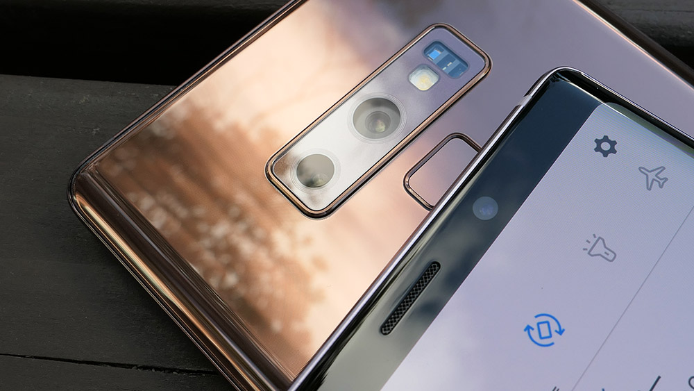 Galaxy Note9 背面カメラと前面カメラ